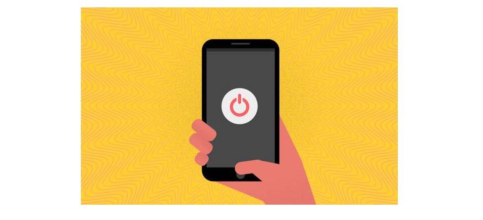 Fundo laranja. Desenho de uma mão segurando um smartphone desligado.
