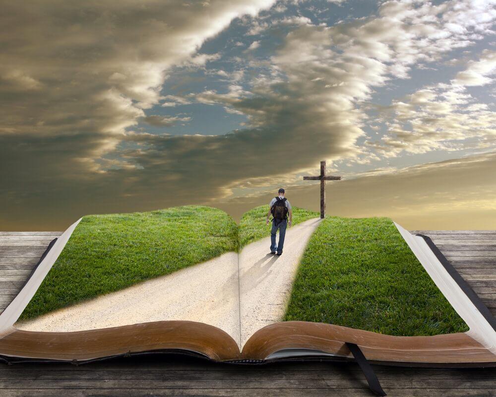 pessoa andando numa estrada ilustrada pela biblia