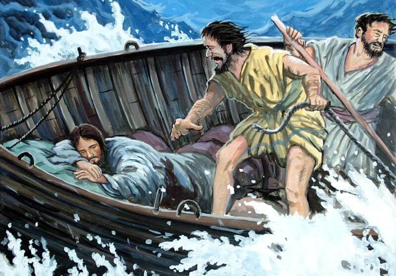 Desenho de Jesus dormindo no barco enquanto dois discípulos tentam fazer com que o barco não afunde em meio à tempestade.