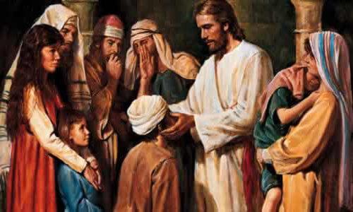 Desenho de Jesus curando um homem que está de joelhos à sua frente. Ao redor deles há várias pessoas com rostos demonstrando surpresa.